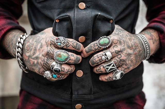 Tätowierung auf der Hand